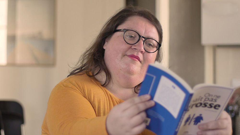 """Invitée de l'émission """"Bonsoir Bruce""""sur BFMTV, l'auteure du livre """"On ne naît pas grosse"""" a dénoncé les inégalités et les discriminations."""