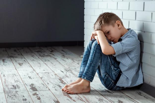 Dans un reportage publié le 8 novembre, le journal La Charente libre raconte la vie difficile de deux enfants victimes de harcèlement à l'école et comment il est difficile de rebondir. Aujourd'hui âgé de 20 ans, Hugo raconte comment on lui a volé son enfance.