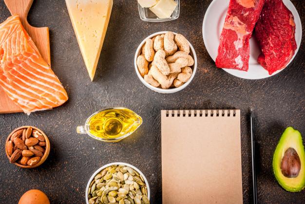 """Dans un récent communiqué, la Société française de nutrition appelle à arrêter de """"taper sur le gras"""". Selon elle, les données biochimiques et physiologiques, tout comme les données épidémiologiques démontrent que les lipides ne doivent plus être diabolisés."""