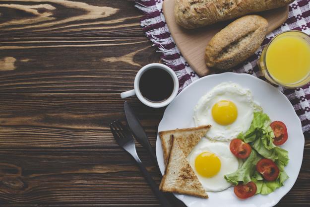 Le petit déjeuner, repas le plus important de la journée dit-on... Mais si on n'a pas faim, pas le temps, c'est grave ?