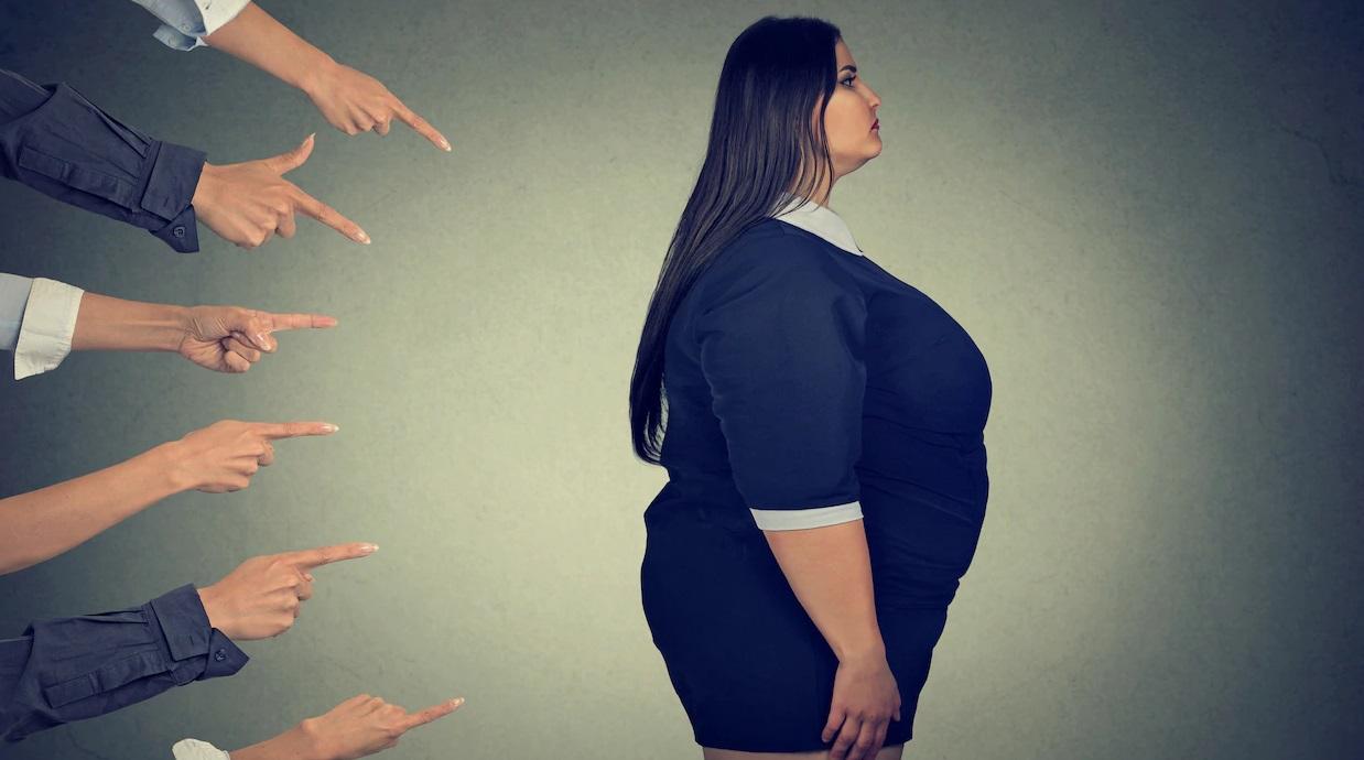 À l'occasion de la première Journée mondiale unifiée contre l'obésité qui s'est déroulée le mercredi 4 mars, une coalition internationale d'associations, d'universités et de professionnels de la santé appelle à la fin de la stigmatisation des personnes en fonction de leur poids. En France, la Ligue contre l'obésité s'empare du sujet.