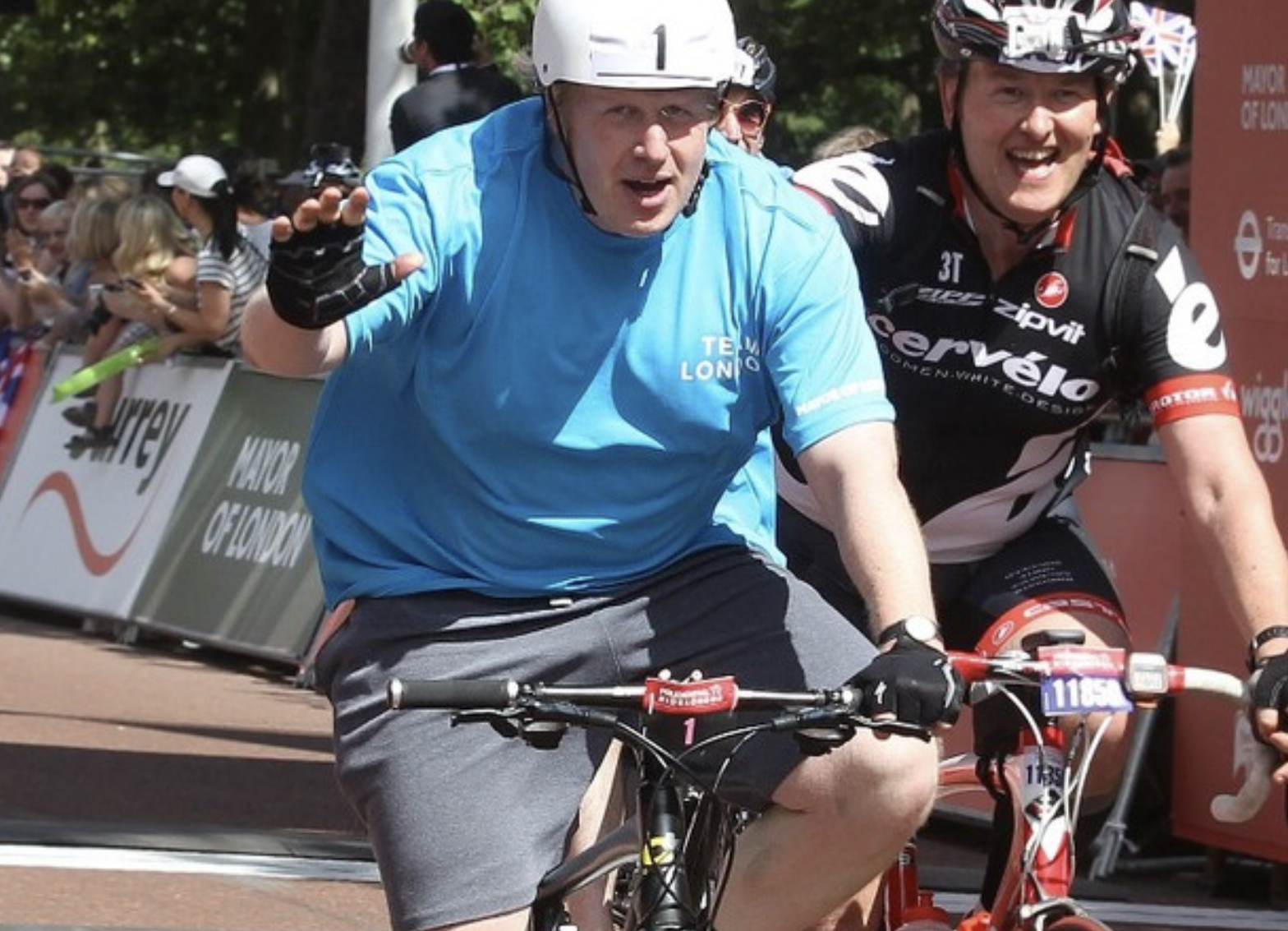Le Premier ministre britannique Boris Johnson se préparerait à lancer une nouvelle stratégie visant à réduire les taux d'obésité dans son pays. Il aurait changé d'avis sur la façon de s'attaquer à la crise de l'obésité après avoir apparemment attribué son infection au Covid-19 à son embonpoint.