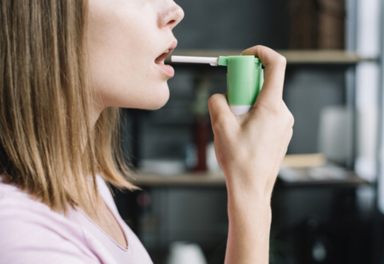 Les équipes du professeur Naim Khan de l'Université de Bourgogne ont travaillé sur le goût des lipides ressenti par les personnes souffrant d'obésité. Ils ont mis au point un spray qui simule le goût d'un aliment gras comme un leurre. En attendant les tests sur l'Homme, les essais sur les souris sont encourageants.
