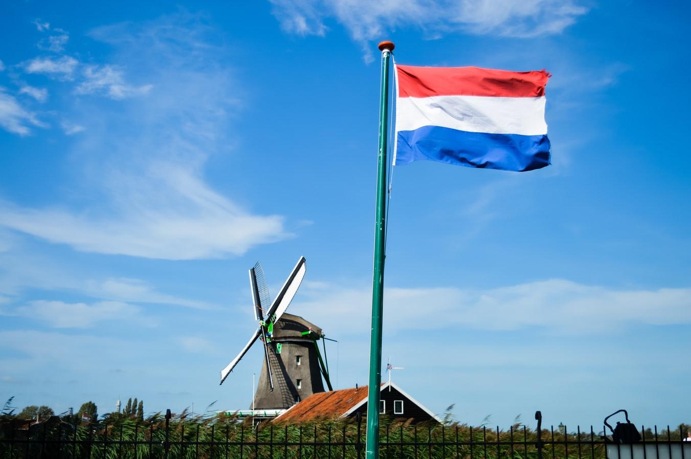 Les autorités néerlandaises donnent leur feu vert pour que les patients en obésité massive de moins de 65 ans puissent recevoir les injections anti-Covid-19 rapidement.
