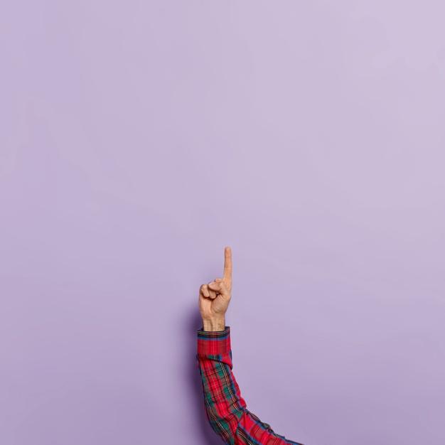 A grands renforts de publicité, le gouvernement français s'engage dans la lutte contre les discriminations avec le lancement de la plateforme anti-discriminations.fr. Excellente idée, sauf qu'aucune main n'est tendue en direction des victimes de la grossophobie. La Ligue contre l'obésité, qui s'apprête à publier les chiffres sur la grossophobie en France, réclame que la question de la corpulence soit véritablement prise en compte.